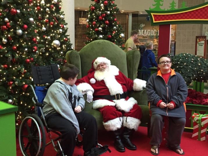 Savannah Mall%27s Caring Santa