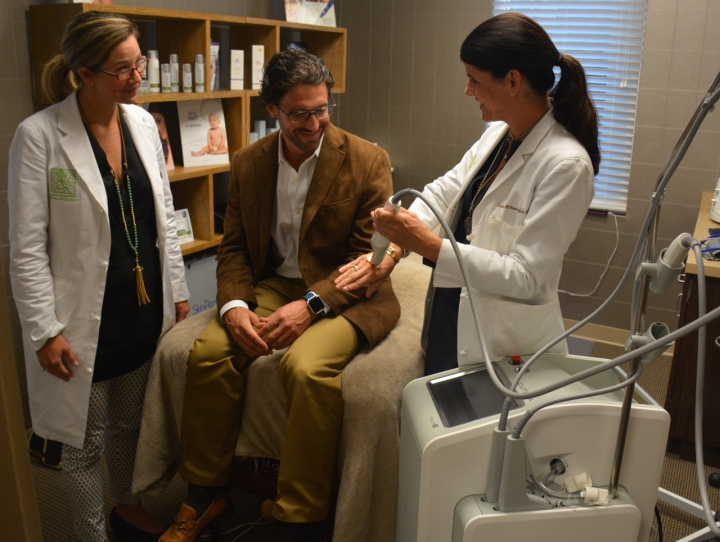 low-country-dermatology-named-the-first-dermatologist-office-in-savannah-certified-to-use-cutera-laser_5528